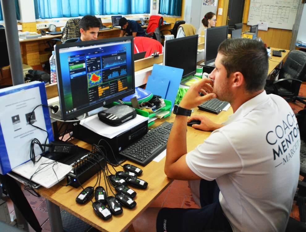 El día después del partido, Moisés Falces baja los datos de los rastreadores GPS y empieza a interpretarlos con la yuda de un software específico.