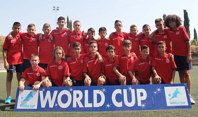 El combinado maltés posa para una foto de equipo durante la World Cup 2018.