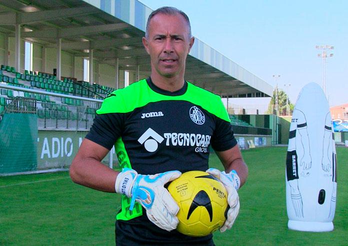Emilio López durante su etapa como entrenador de porteros del Getafe.