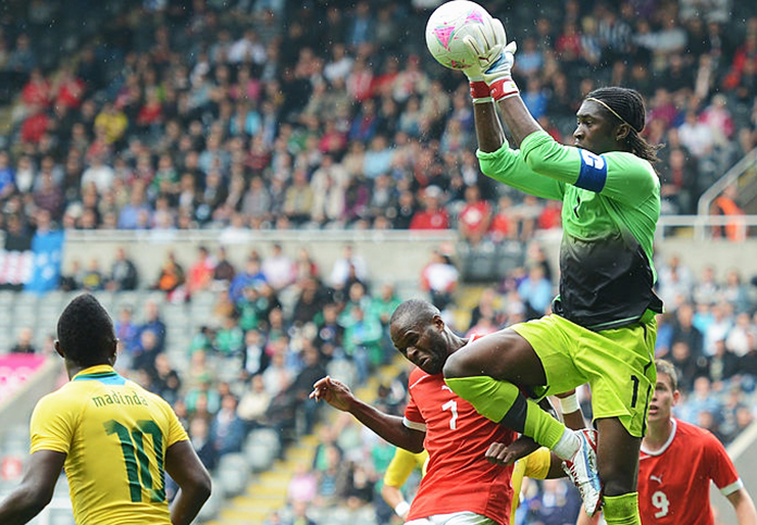 Didier Ovono en un partido entre Gabón y Suiza disputado en el estadio de Wembley.