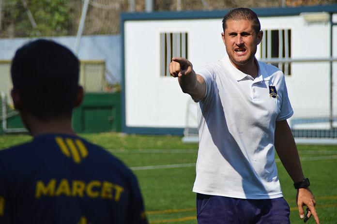 Moisés Falces durante una sesión de entrenamiento en la Academia Marcet.