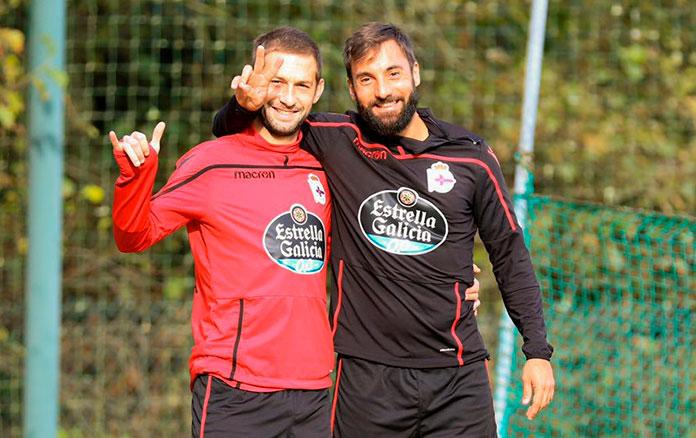 Fran Molano (dcha.) con Federico Cartabia tras una sesión de entrenamiento en el Celta de Vigo.