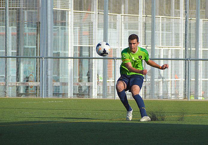 Federico Pelaez durante un partido con la Academia Marcet.