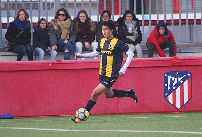 Leonardo Villar, en un partido de Marcet contra el Atlético de Madrid.