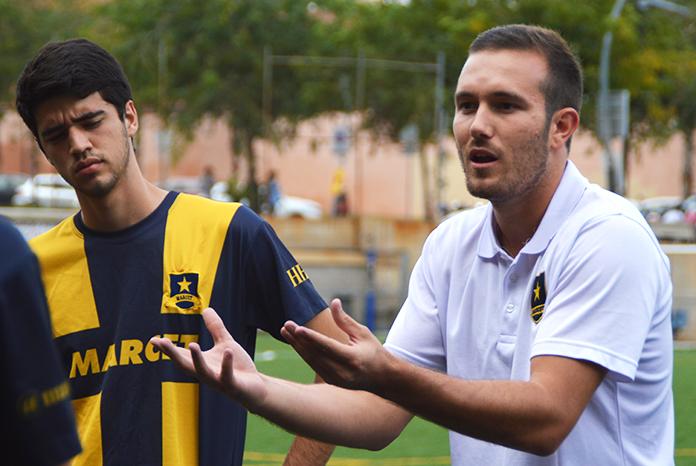 """La comunicación es """"fundamental"""" para Edgar Moragas. El entrenador del Marcet Academy A sabe que buena parte de su trabajo consiste precisamente en transmitir mensajes de forma correcta."""