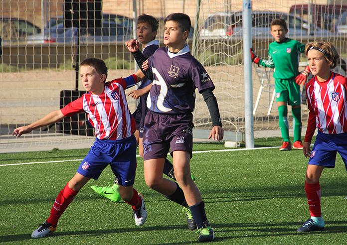 Pablo Arenzana en un partido de Marcet contra el Atlético de Madrid.