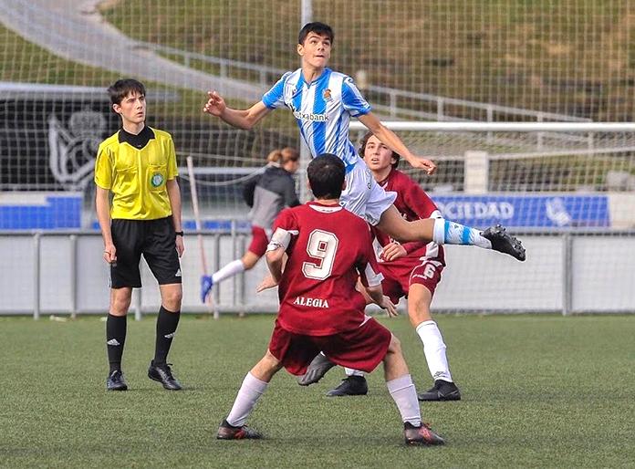 Pablo Arenzana en un partido de la Real Sociedad.